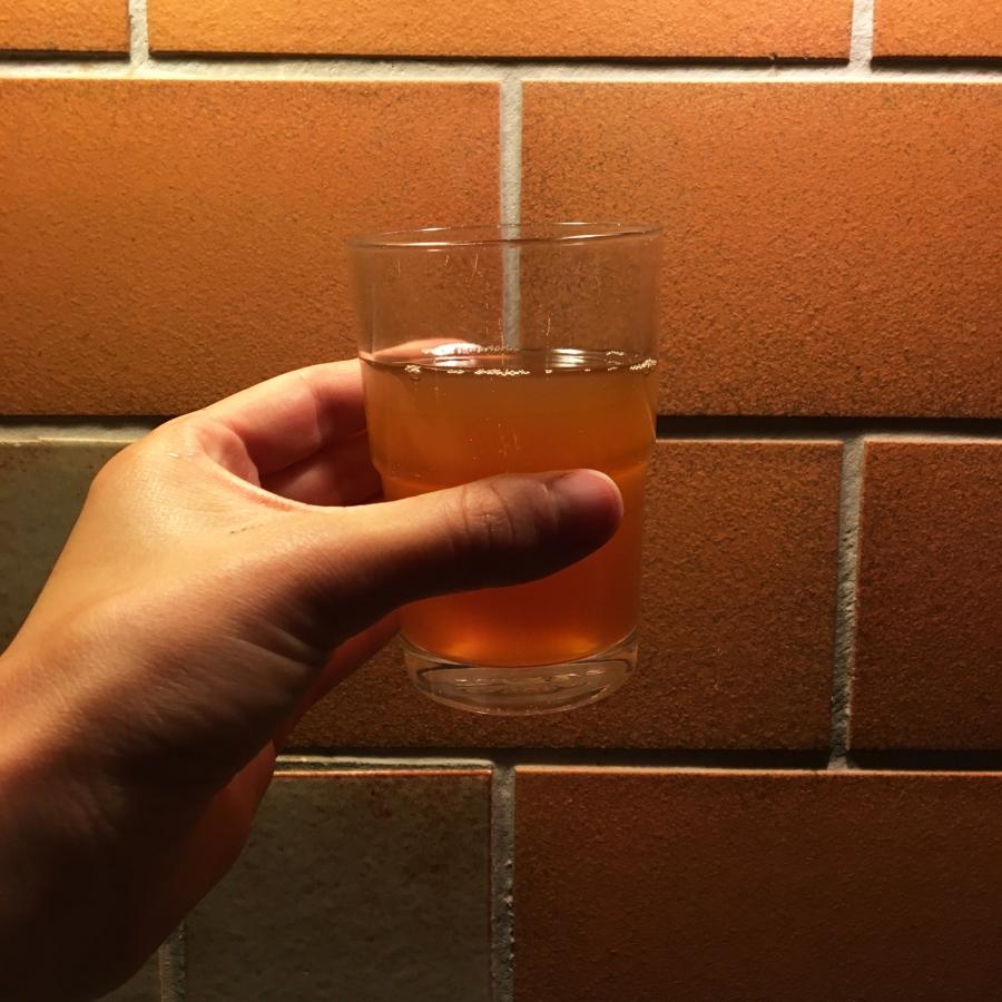 super leckerer Apelsaft im Glas