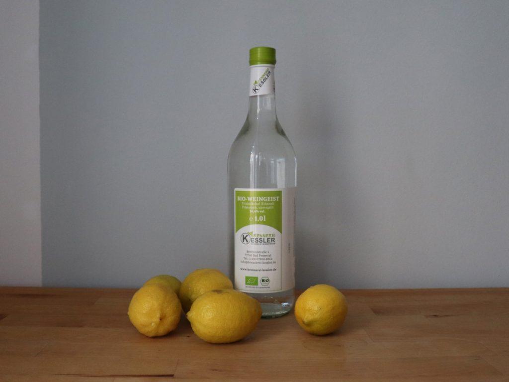 Zitronen und Weingeist