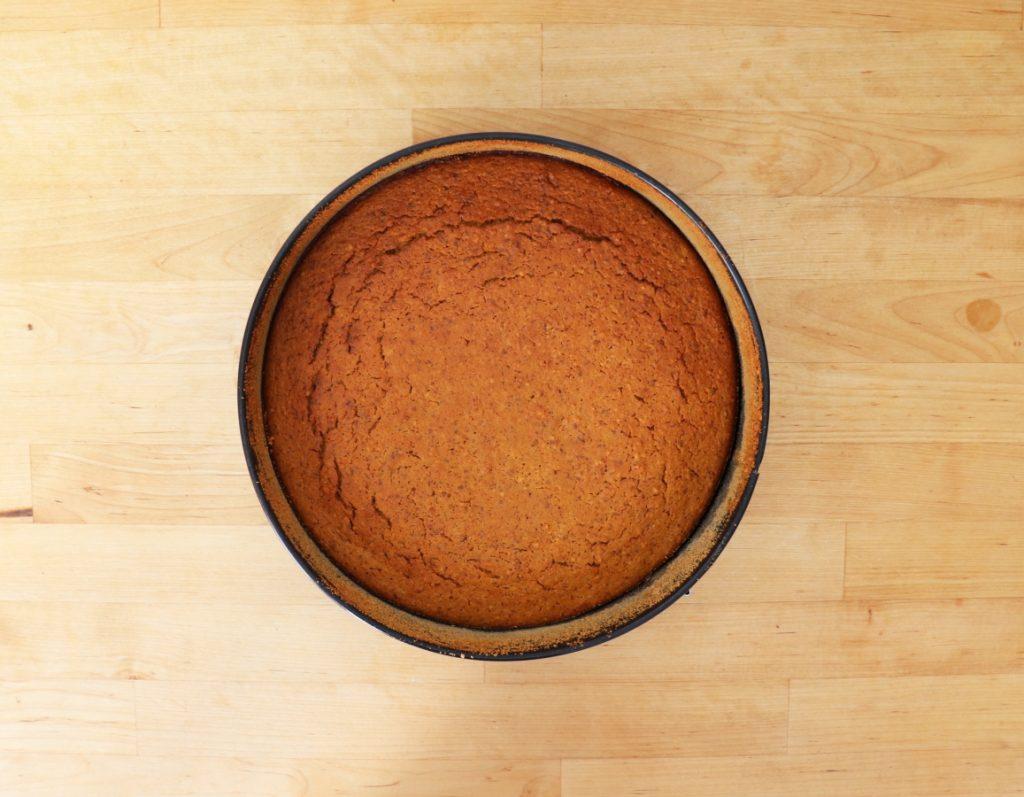 Fertig gebackenen Kuchen auskühlen lassen