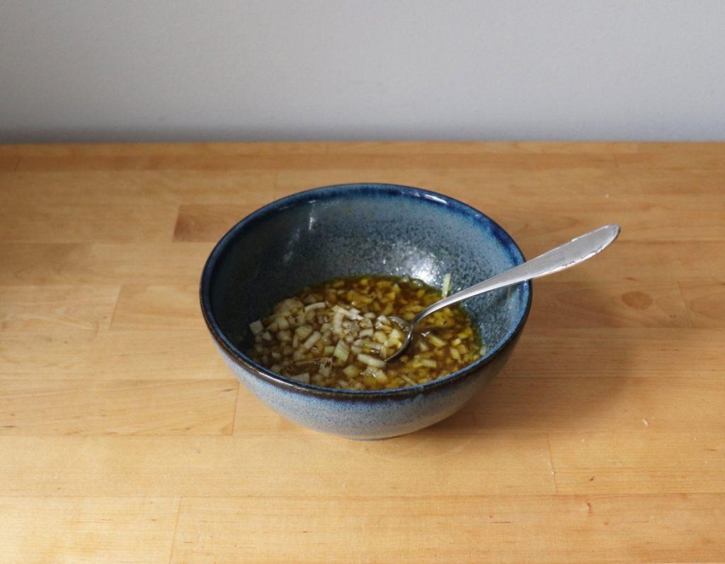 Salatsoße herstellen