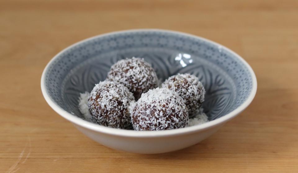 Raw Vegan Brownie Powerballs
