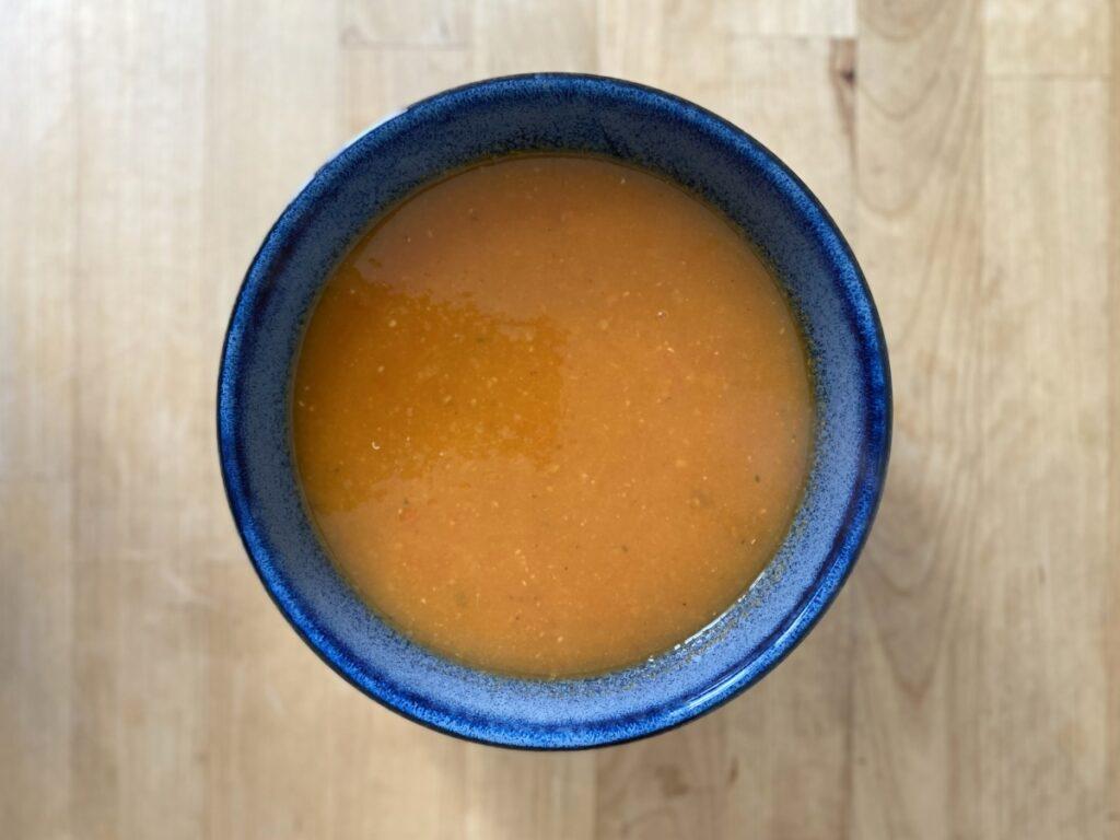 Suppe in Schüssel